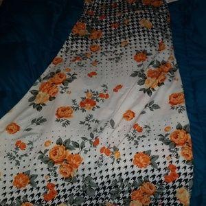 Dipped pattern maxi skirt